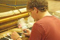 Batterie Professeur Piano Petrof Morges-min.JPG